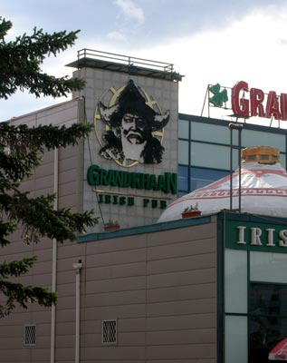 Grand Khaan Irish Pub